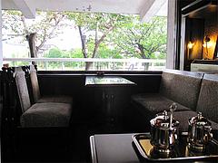 店内:窓際のテーブル席@こんぱる・鳥栖・佐賀