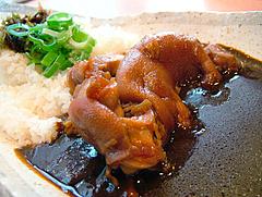 博多伽哩堂の豚足黒カレー