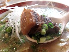料理:角煮らーめんの角煮@ラーメン本舗・博多葱一・天神