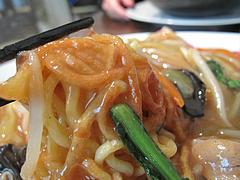 11ランチ:五目あんかけ皿うどんの麺@中華・舞鶴麺飯店