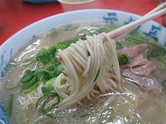 料理:ラーメン400円食べる@元祖長浜屋