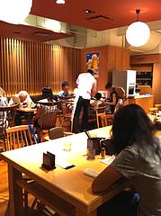 店内:カウンター・テーブル席2@天つるり・西鉄天神ソラリアステージビル店