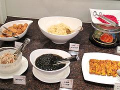 12ランチ:サラダコーナー・こんぶ麺?@ブルースター・タカクラホテル福岡