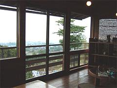 みのう山荘の休憩室からの眺め