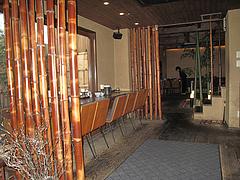 4店内:カウンター席@ラーメン居酒屋・長浜将軍・門