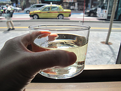 8ランチ:コップワイン90ccの白@スペインバル&カフェ エスペランサ