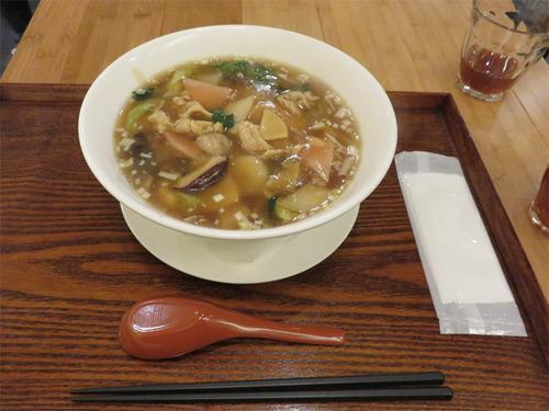6具沢山五目スープそば980円