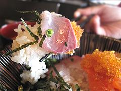 料理:海鮮丼とびっこ@博多煮込み・うみくま家・大手門