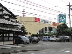 外観;専用駐車場8台分@笹うどん・小笹