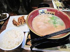 6ランチ:ラーメン+餃子+ご飯680円@博多ラーメンちょうてん・博多本店・博多駅前