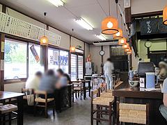 店内:カウンターとテーブル席@笹うどん・小笹