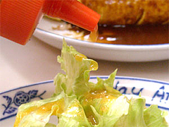 『ちじわ』のサラダ(レタスとマカロニとキャベツ)@福岡・大橋