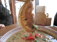 料理:豚骨ラーメンチャーシュー@華さん食堂・半道橋