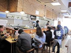 2店内@博多ラーメン膳・小笹店
