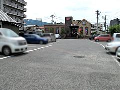 外観:焼肉ウエスト駐車場@生そば・あずま・長住店