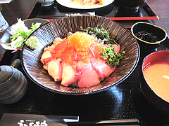 料理:海鮮丼定食880円@博多煮込み・うみくま家・大手門