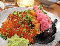 料理:のっけ飯(ウニ・イクラ・ネギトロ・山芋)@大衆居酒屋・気晴れ屋
