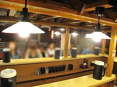 店内:カウンター席@絆(博多新風)・ラーメンスタジアム・キャナルシティ博多