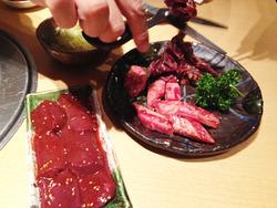 3ダイヤモンドカットカルビとレバー@焼肉トラジ