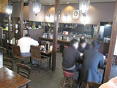 店内:テーブル席@味千拉麺・福岡東店・楽一街道箱崎店
