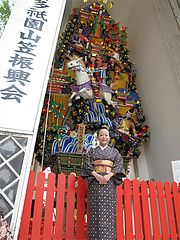20外観:櫛田神社の飾り山@屋台KENZO Cafe(ケンゾーカフェ)・きたなトラン