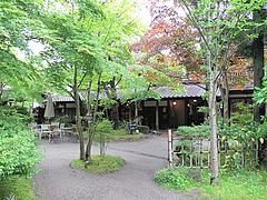 外観:中庭@鍵屋・亀の井別荘・湯布院