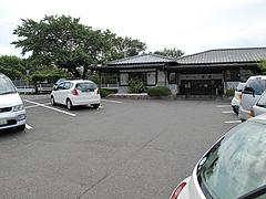 外観:駐車場@そば処武蔵・春日
