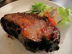 料理:バーベキューバックリブのアップ@BUTCHER・炭火焼フレンチ・ブッチャー・平尾