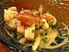 居酒屋:鶏わさ@博多鶏と麺こはる・ラーメン居酒屋