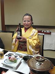 4店内:ビールで乾杯@観山荘別館・小倉・料亭