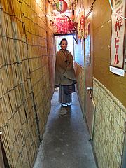 外観:入り口の入り口@まんぼ亭・赤坂門市場