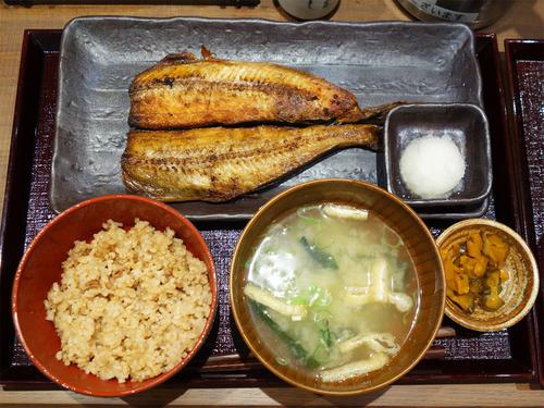 【福岡】天神パルコ地下の上質でリーズナブルな焼魚定食♪@炭火焼干物定食 しんぱち食堂