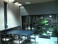 店内:テーブル席・窓際@日本料理・浄水茶寮・薬院