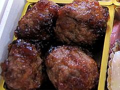 料理:ジャンボ肉団子@2011セントラルホテル福岡お節(おせち)・三の重