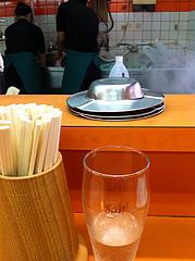 店内:喫煙OK@二丁目ラーメン・港・福岡