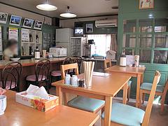 店内:カウンターとテーブル@キッチンハウスあをい(あをい食堂)・平尾