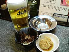 料理:ビールと小鉢@居酒屋王国・雑餉隈(ざっしょのくま)