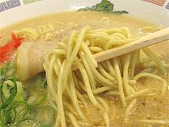 料理:ラーメンの麺@博多ラーメンはかたや川端店