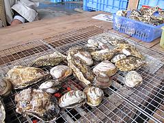 料理:カキとハマグリ焼く@牡蠣小屋だいゆー(だいゆう・ダイユー)・糸島