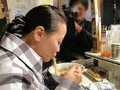 ラーメン食べる@屋台・新妻・天神・福岡