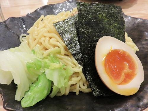 7魚介系和風もつつけ麺