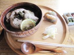 18自然薯と地鶏蕎麦(温)とこんにゃく寿司2,500円@蕎麦・文治郎