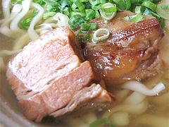 料理:沖縄そばのラフティ(豚三枚肉)@結の懸け橋・平尾