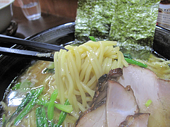 料理:豚骨醤油ラーメン麺@ラーメンさかえ・野間