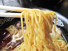 料理:とんこつくーた中太麺@ラーメンく〜た半道橋店・博多区