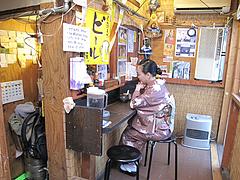 店内:黄昏カウンター席@ダーチャ・まんぼ亭・赤坂門市場
