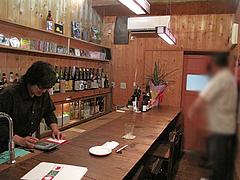 店内:カウンター@ポコペンのペコポン・三角市場・福岡