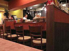 店内:カウンターとテーブル席@ハカタネーゼ・エノテカ・リツ・清川