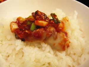 12牡蠣キムチオンザライス@チェおばさんのキムチ