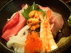 料理:特上海鮮丼アップ@博多魚がし・長浜鮮魚市場会館店